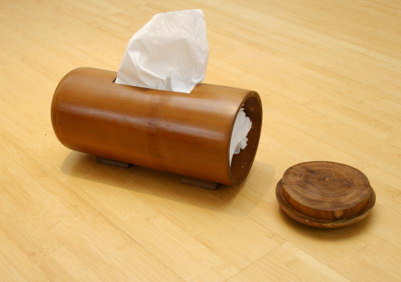 Kleenexspender aus bambus praktisches accessoires als taschentuchspender im bad toilette etc - Bambusrohre deko ...